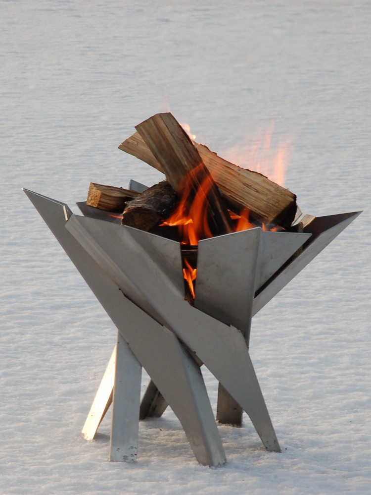 design feuerschale phoenix terrassenfeuer feuerstelle. Black Bedroom Furniture Sets. Home Design Ideas